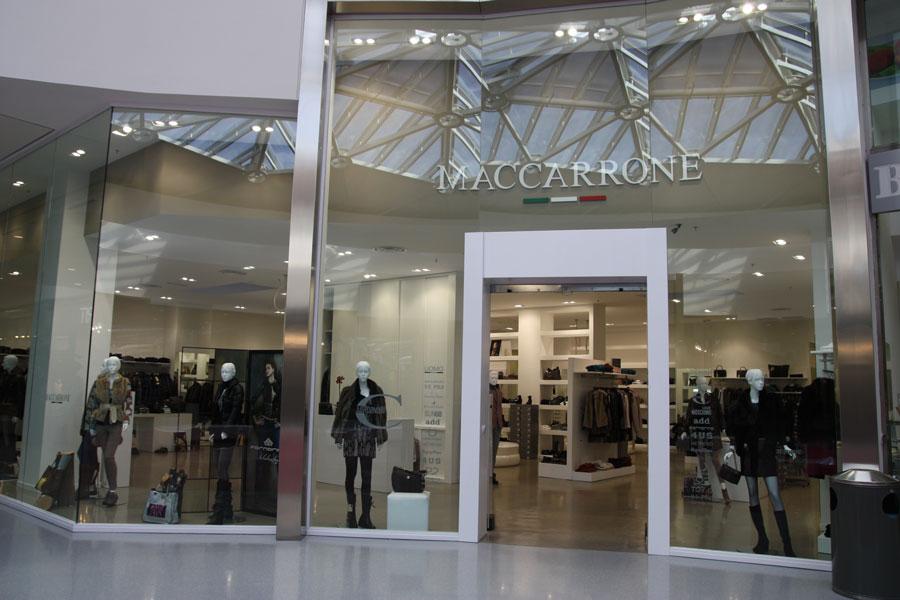 Installazione vetrine per negozi etnagessi for Negozi design